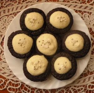 briose_cu_ciocolata_si_crema_de_ou