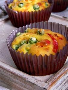 muffins_cu_ardei_si_mazare