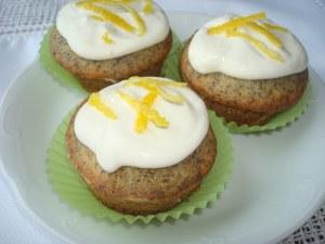 Muffins cu mac si lamaie